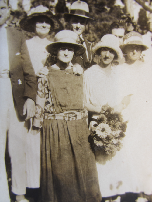 Millicent Day (left), Clarice Hill to right holding flowers on Easter Monday 1925